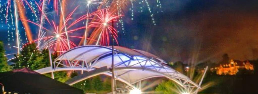 Photograph from Proms in the Park - lighting design by Eric Lund