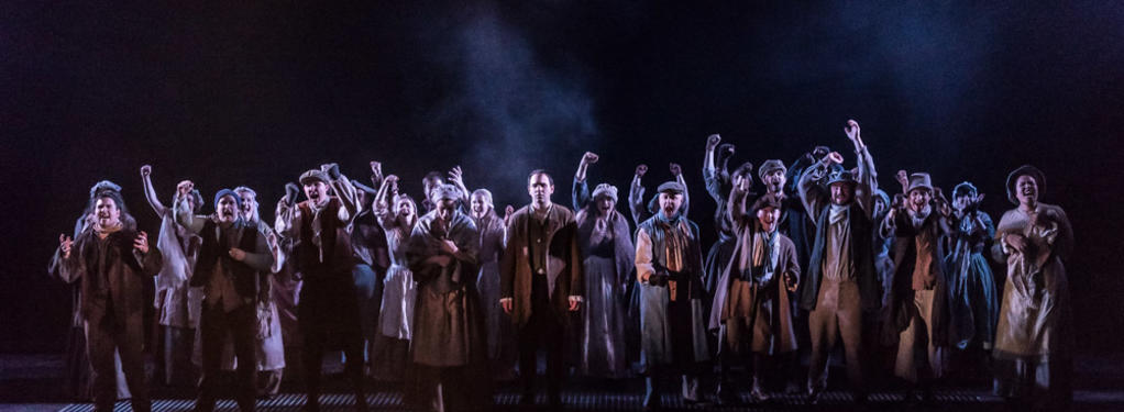 Photograph from Dialogues des Carmelites - lighting design by Robbie Butler