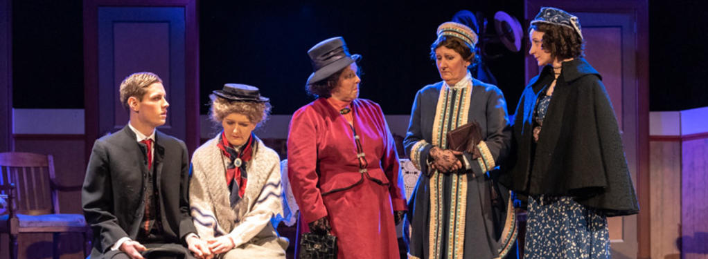 Photograph from I Remember Mama - lighting design by keithmson