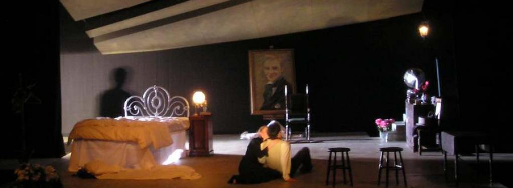Photograph from Thérèse Raquin - lighting design by Steve Lowe