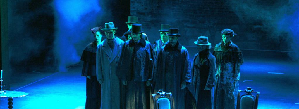 Photograph from Wildhorn's DRACULA - lighting design by Michael Grundner