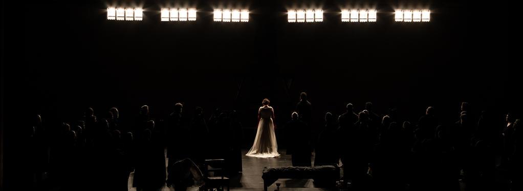 Photograph from Maria Stuarda - lighting design by GianniBertoli