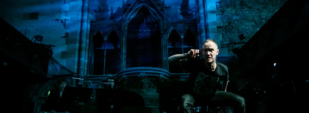 Photograph from 8 Songs for a Mad King - lighting design by Simon Hayes