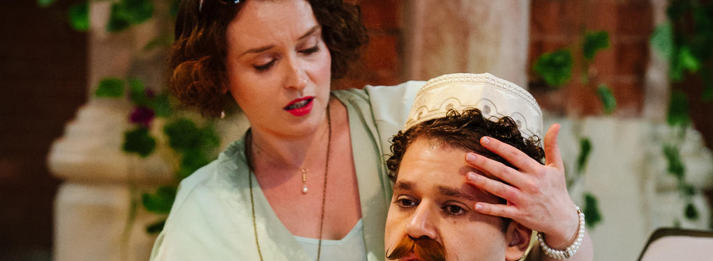 Photograph from Cossi Fan Tutte - lighting design by Nigel Lewis