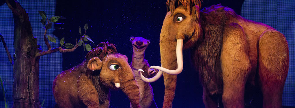Photograph from Ice Age Live - lighting design by Luc Peumans
