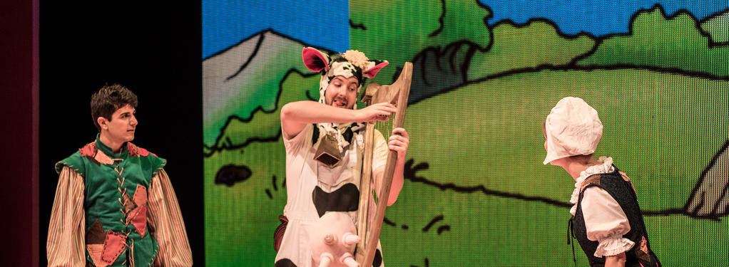 Photograph from Jack and the Beanstalk - lighting design by HawkinsLX