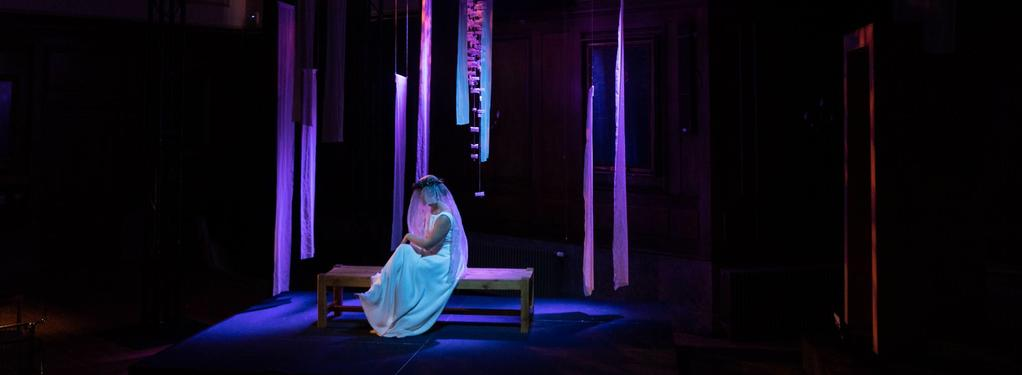 Photograph from Le nozze di Figaro - lighting design by Jack Wills