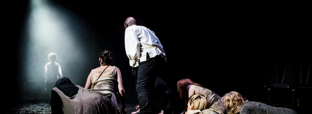 Photograph from Macbeth - lighting design by Charlie Morgan Jones