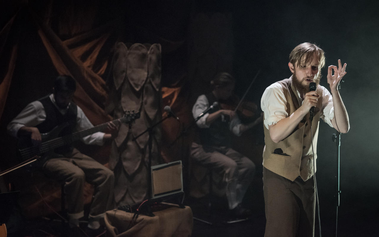 Photograph from Jeremiah - lighting design by Katrin Padel