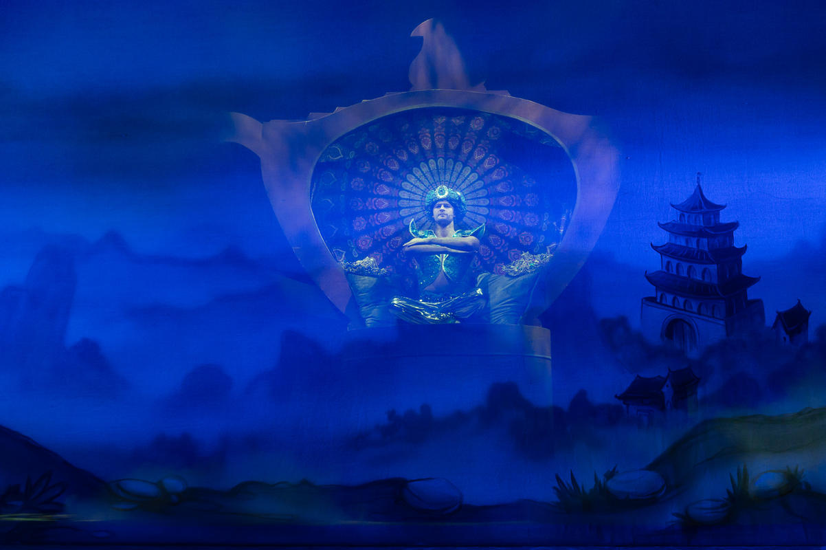 Photograph from Aladdin - lighting design by JimmiRichardson