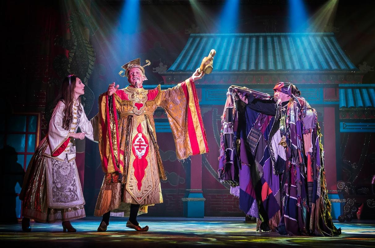 Photograph from Aladdin - lighting design by Richard Williamson
