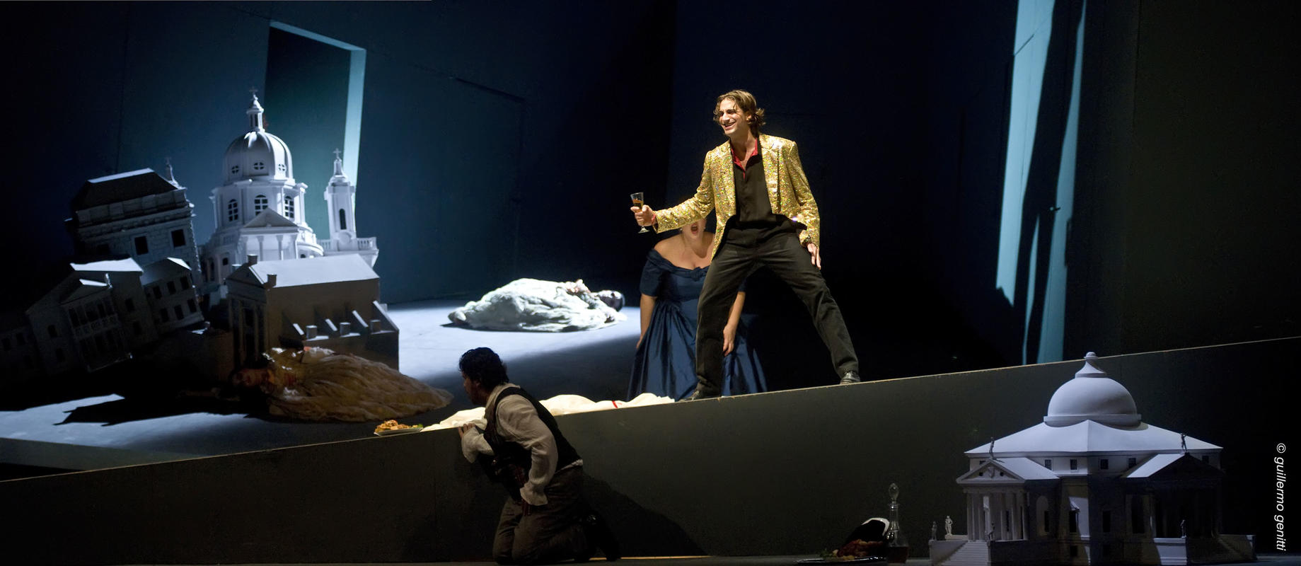 Photograph from Don Giovanni - lighting design by Manuel Garrido Freire