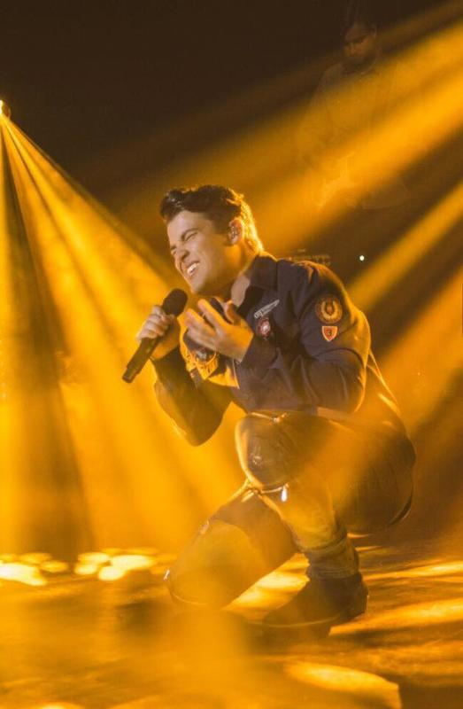 Photograph from Joe McElderry - Northern Lights Tour - lighting design by grahamrobertslx