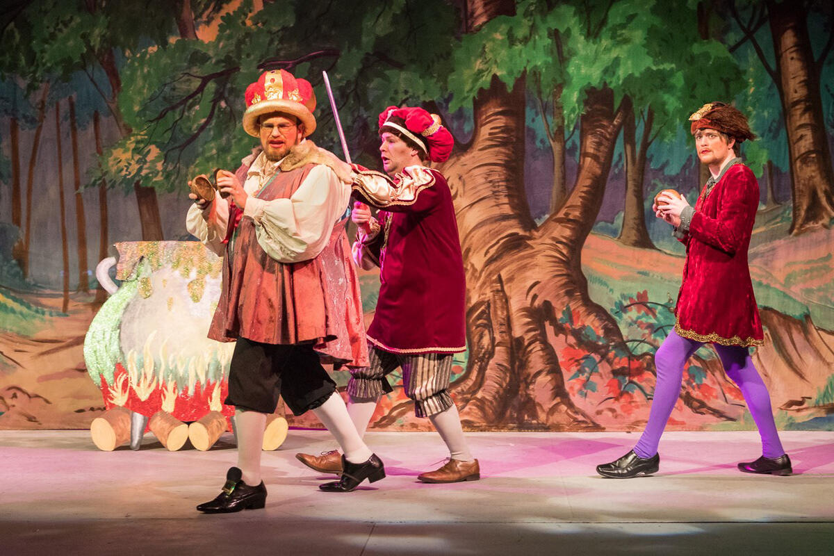 Photograph from Camelot the Pantomime - lighting design by jackfenton