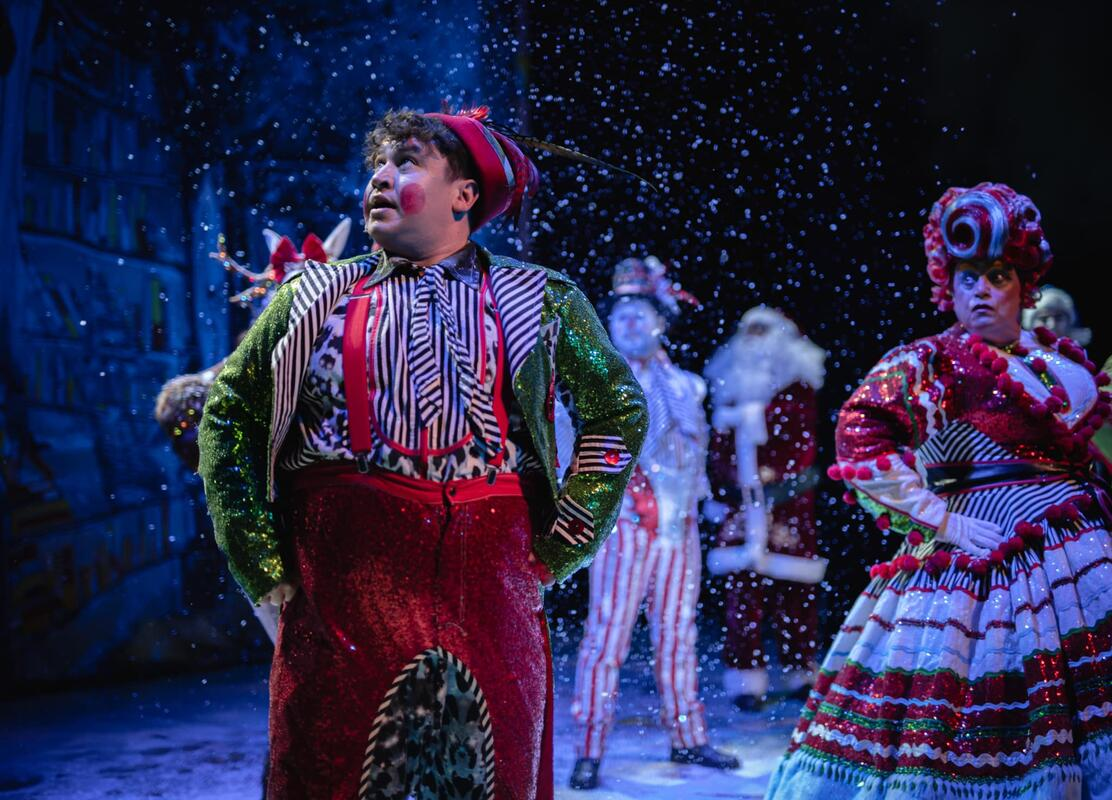 Photograph from Arbuthnot & Dame Bella's Christmas Adventure - lighting design by Johnathan Rainsforth