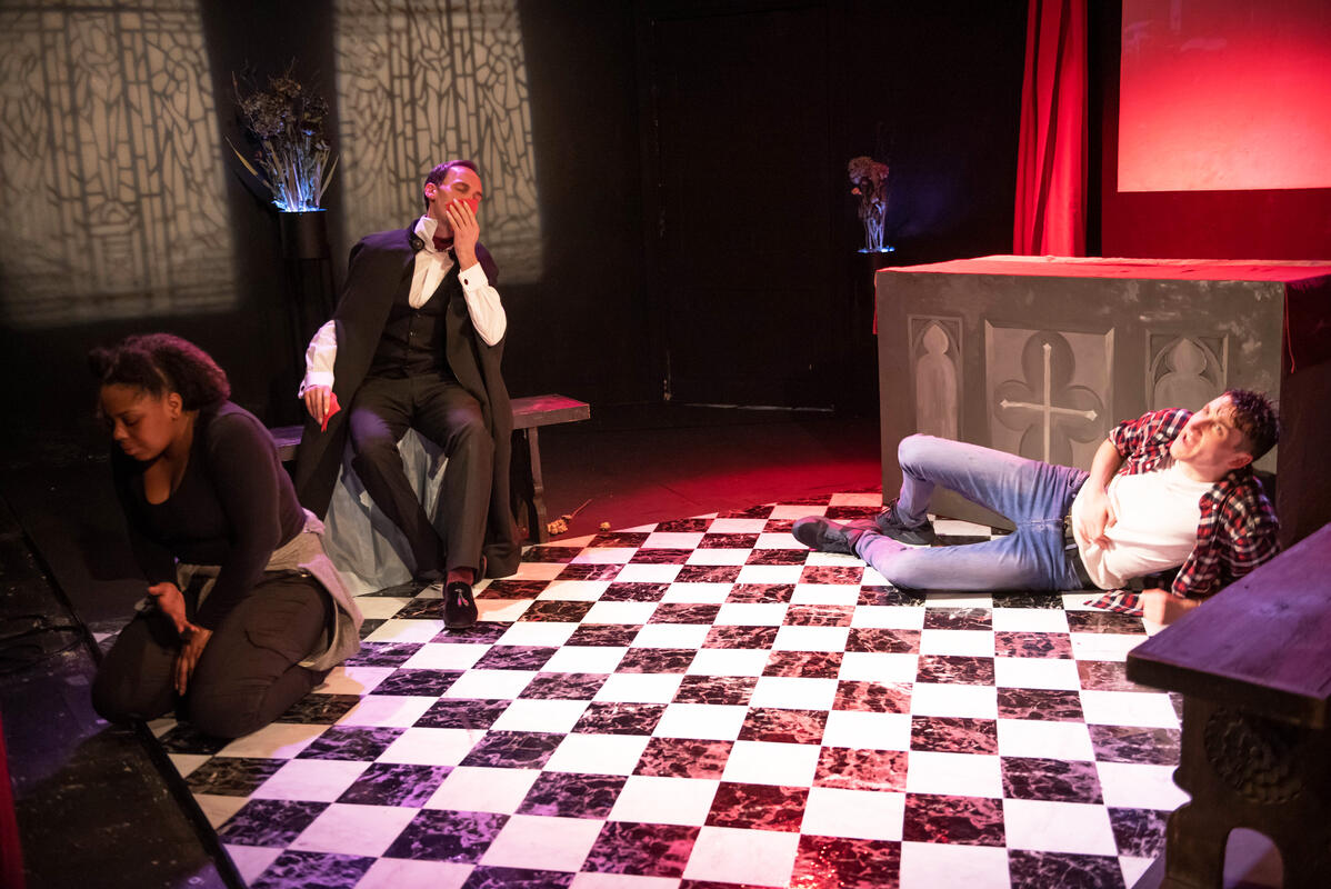 Photograph from EDRED THE VAMPYRE - lighting design by chuma