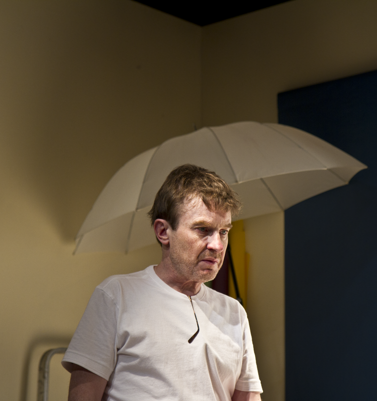 Photograph from Oh, The Humantity and Other Good Intentions - lighting design by tmowat