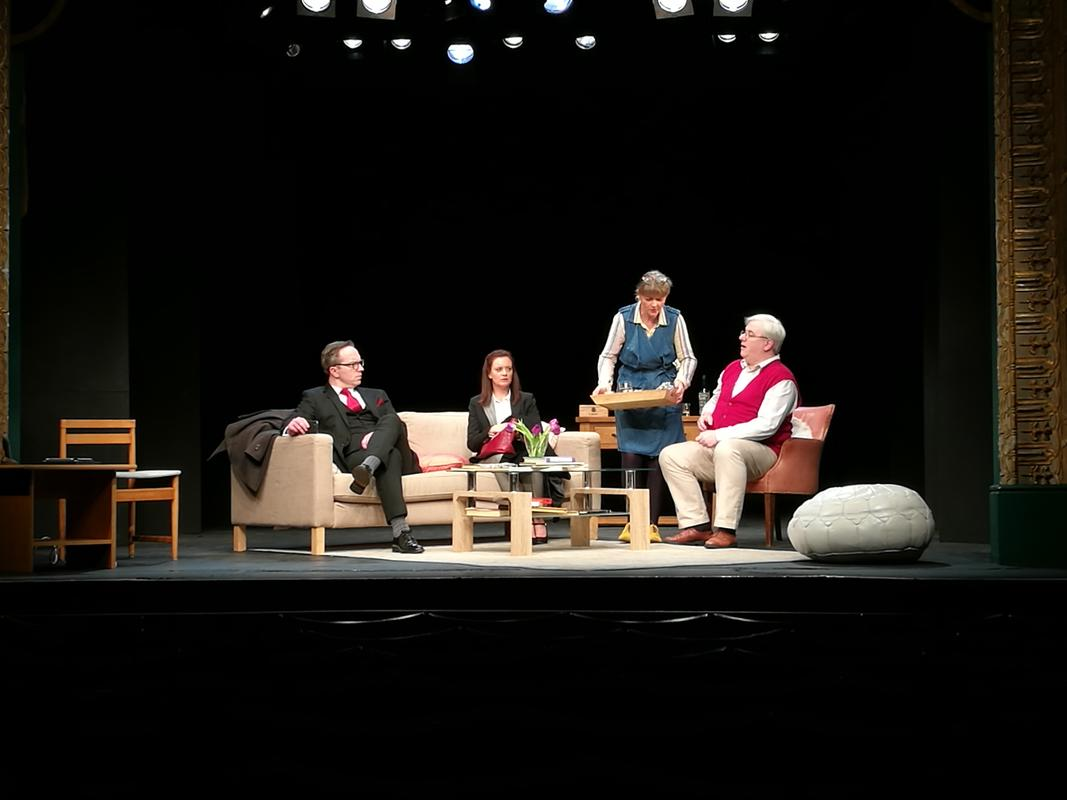 Photograph from God of Carnage - lighting design by John Leventhall