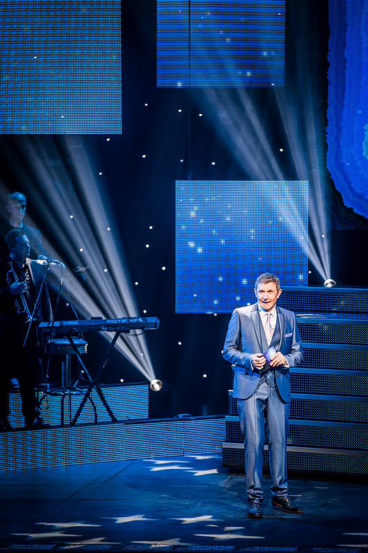 Photograph from Nacht van de Vlaamse Televisiesterren - lighting design by Luc Peumans
