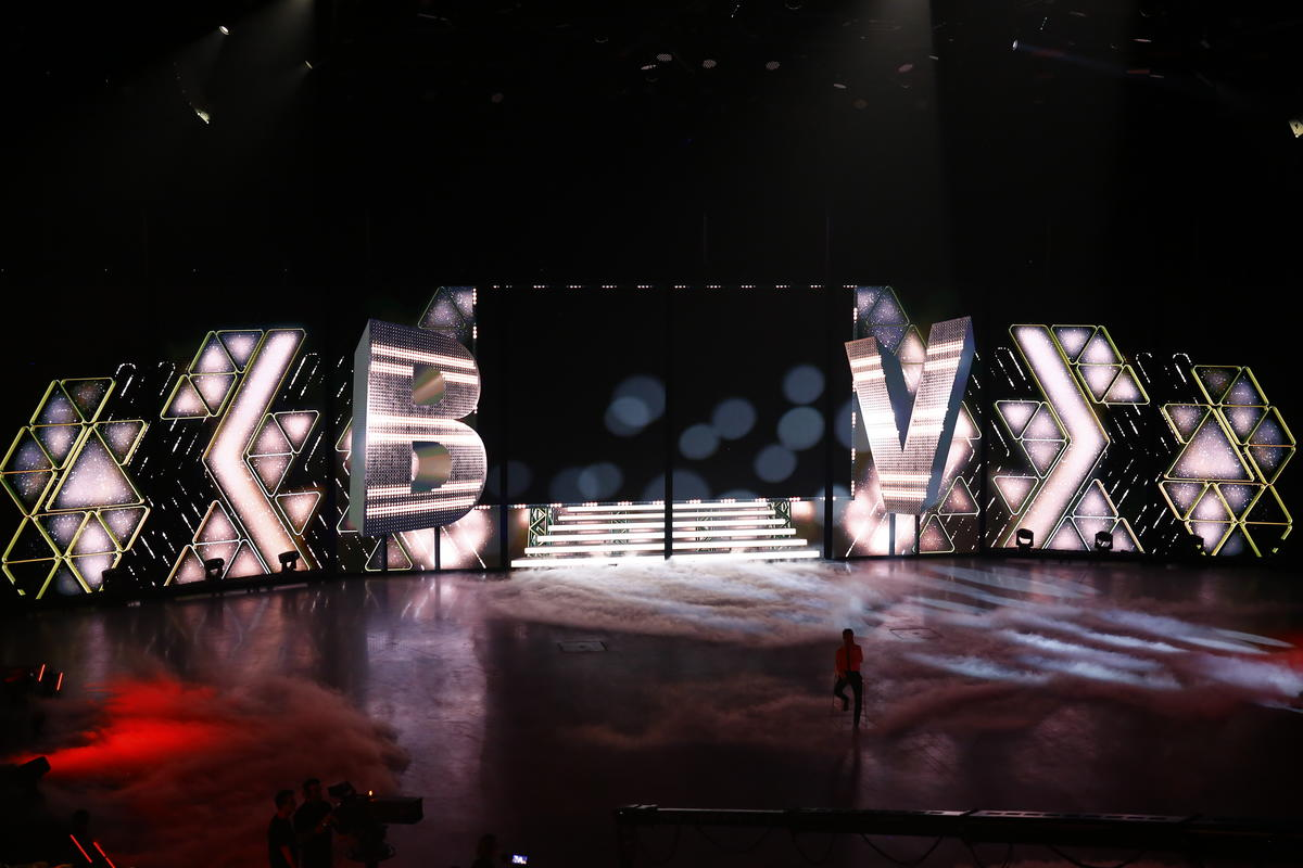 Photograph from VTM celebrates its 30th Birthday - lighting design by Luc Peumans