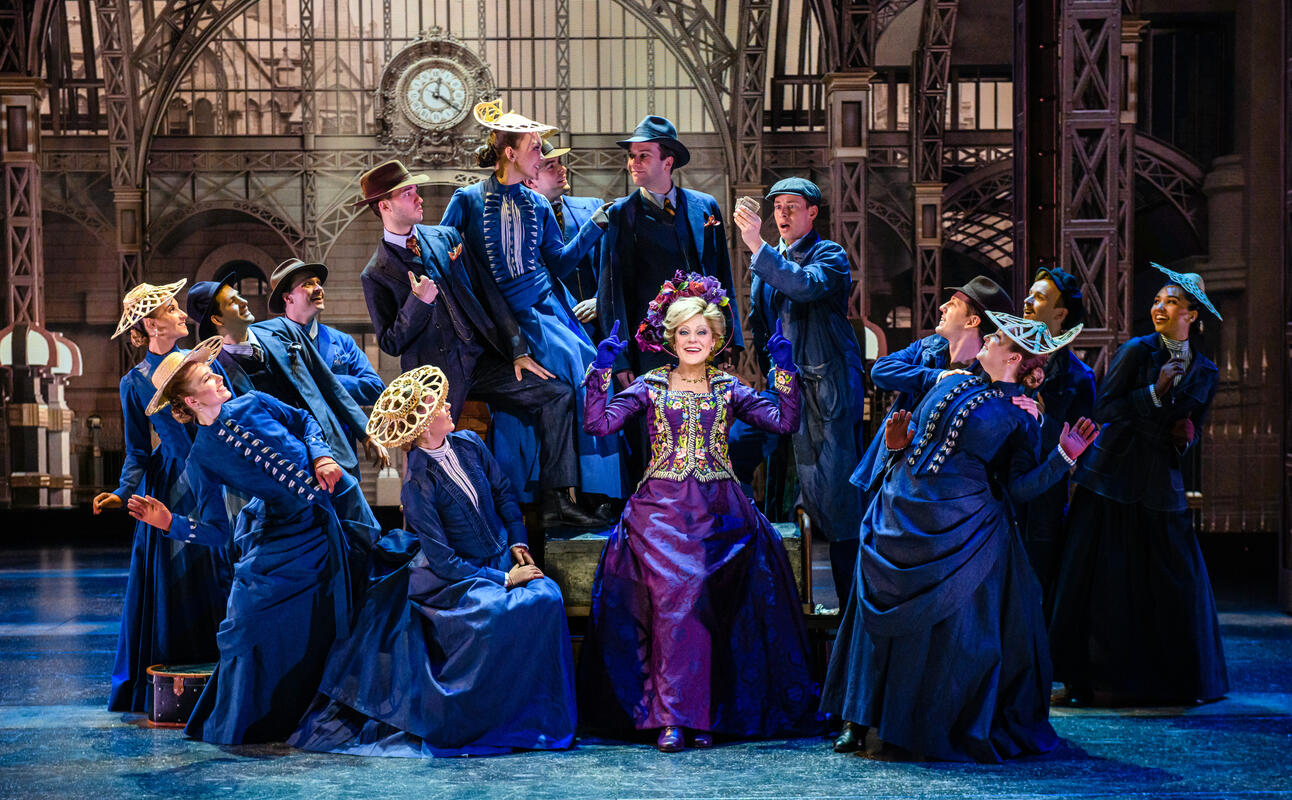 Photograph from Hello Dolly! - lighting design by Andrew Voller