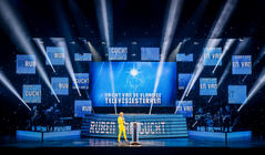 Photograph from Nacht van de Vlaamse Televisiesterren - lighting design by Luc Peumans