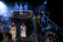 Photograph from Queen Lear - lighting design by morgantevans