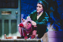 Photograph from Betty Blue Eyes - lighting design by josetevar
